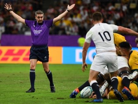 Mondial de rugby: consécration finale pour l'arbitre français Jérôme Garcès