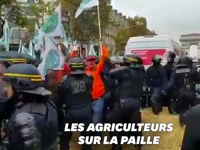 Des agriculteurs bloquent les Champs-Élysées et veulent rencontrer Macron