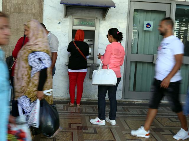 """""""La Tunisie vit au-dessus de ses moyens"""", selon cette économiste"""