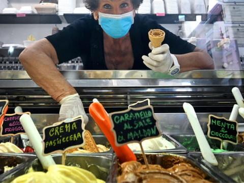 """Les """"gelati"""" font leur retour en Italie, une glace Covid-19pour faire passer la pandémie"""
