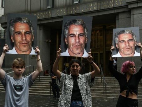 Affaire Epstein: l'agent de mannequins Jean-Luc Brunel accusé de viol auprès de la justice française