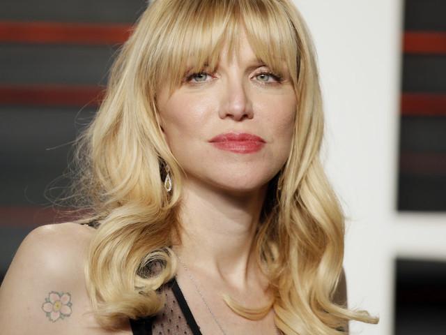 En 2005, Courtney Love mettait déjà en garde les jeunes actrices contre Harvey Weinstein