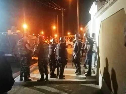Tunisie – URGENT: VIDEO: Arrestation de deux terroristes qui préparaient un attentat suicide à Kasserine?
