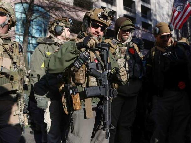Dans l'Etat de Virginie, des milliers de personnes manifestent pour défendre leur droit à être armées