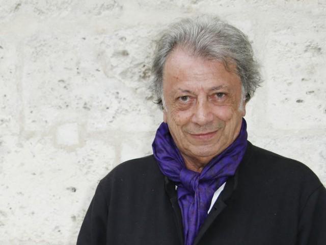 """Hervé Vilard : Tendre hommage à Daniel Cordier, à qui il doit le succès de """"Capri, c'est fini"""""""