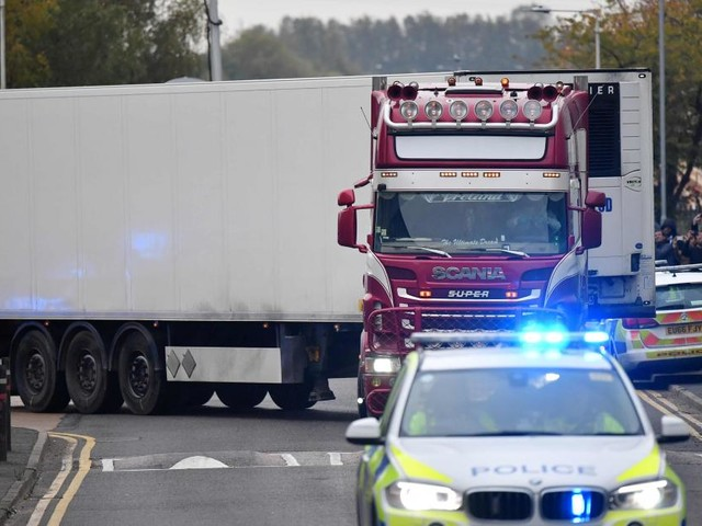 La nationalité des 39 corps retrouvés à bord du camion en Angleterre n'est pas confirmée: «On ne peut pas encore savoir qu'il s'agit de Chinois»