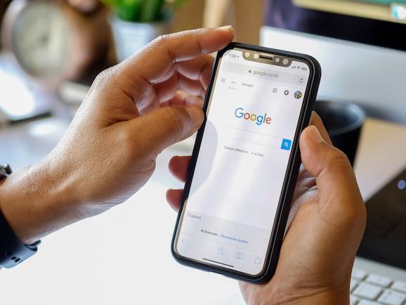 Droit à l'oubli: le Conseil d'État entérine la victoire de Google face à la Cnil