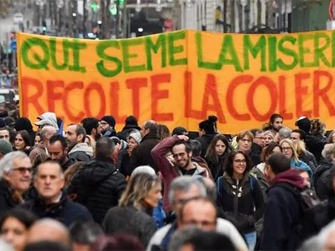 France. La contre-réforme des retraites affaiblit Macron et son gouvernement
