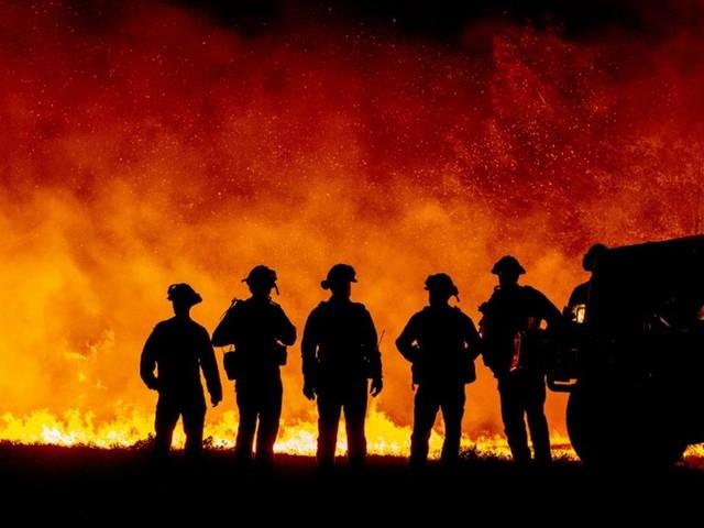 Incendies en Californie : un observatoire historique menacé par les flammes près de Los Angeles