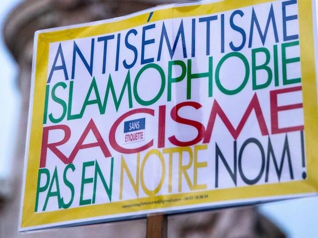 Des manifestation contre l'antisémitisme dans le Poitou