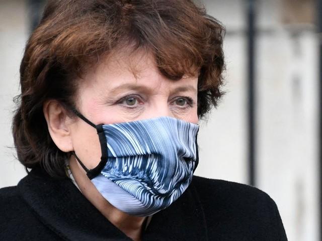 Covid-19: Roselyne Bachelot va mieux et envisage une sortie de l'hôpital