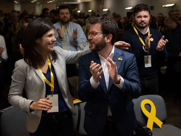 Espagne: un parti indépendantiste catalan ouvre la voie à la reconduction dePedro Sanchez