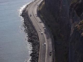 La route du littoral rouverte sur quatre voies