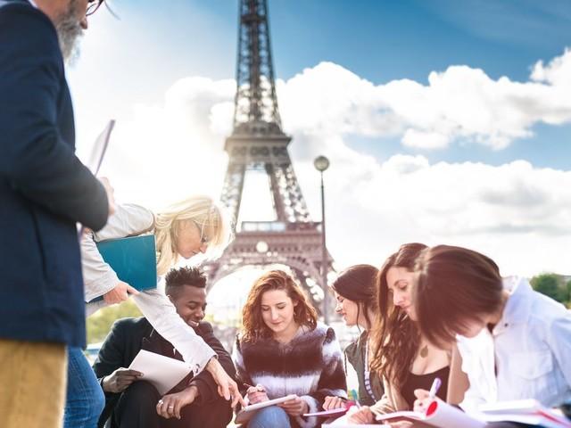 Universités en France: Le gouvernement annonce une revalorisation des bourses étudiantes