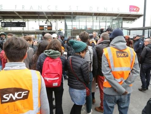 """Dans les centres de maintenance des TGV, """"la colère est là"""""""