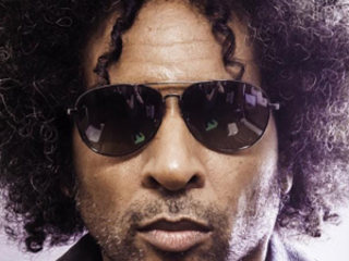 William DuVall : une guitare, une voix