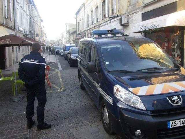 Libourne : une cinquantaine de voitures cassées, un jeune homme arrêté