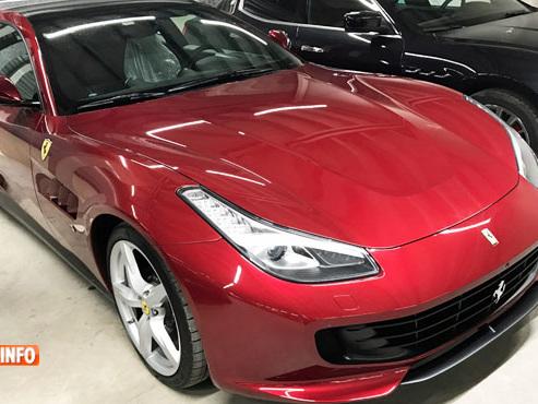 """Frank s'achète une Ferrari pour rouler tous les jours... mais elle est au garage depuis un an: """"Elle n'est pas faite pour rouler!"""""""