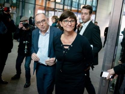 """Le SPD préfère des """"discussions"""" avec Merkel à la rupture de coalition"""