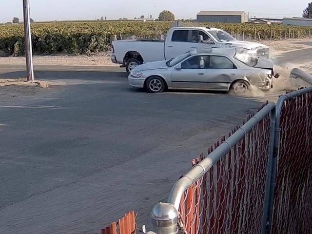 VIDEO - Voilà ce qu'il ne faut surtout pas faire en voiture
