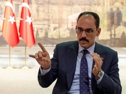 """Retrait en Syrie: Ankara exhorte Washington à user de son """"influence"""" auprès des forces kurdes"""