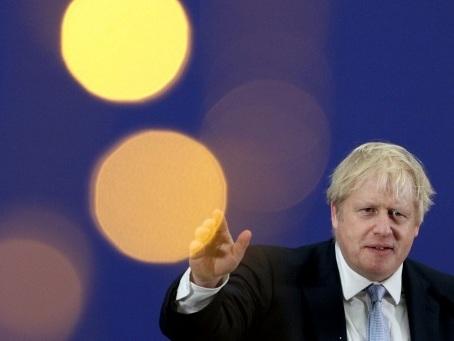 Grande-Bretagne: le Labour accuse Johnson de vouloir brader le système de santé aux Américains