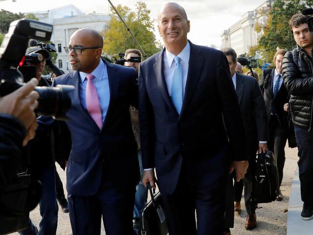 Destitution: le revirement du diplomate Gordon Sondland fragilise Donald Trump