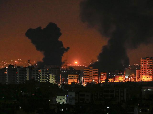 Gaza: 3 morts dont une femme enceinte et sa fille dans des raids israéliens
