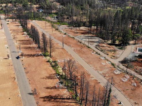 Reconstruire une ville entière à partir de rien: le défi des habitants de Paradise en Californie, décimée par un incendie de forêt (photos)