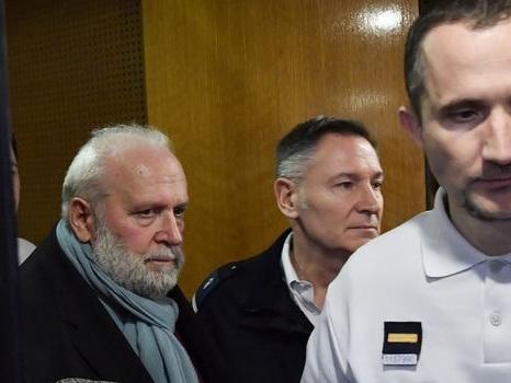 Suspendu lundi, le procès de l'ex-prêtre Preynat démarre enfin à Lyon
