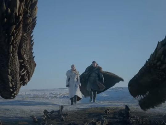 Game of Thrones : du Trône de fer aux dragons, la série dévoile une affiche sombre et dramatique