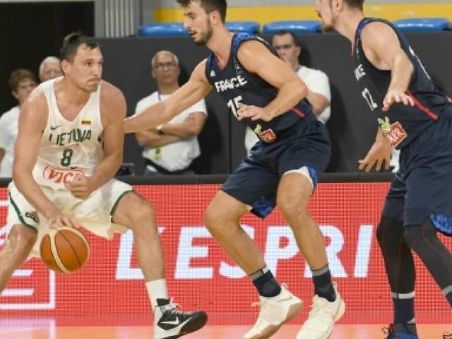 Basket: les Français subissent la revanche lituanienne en préparation à l'Euro