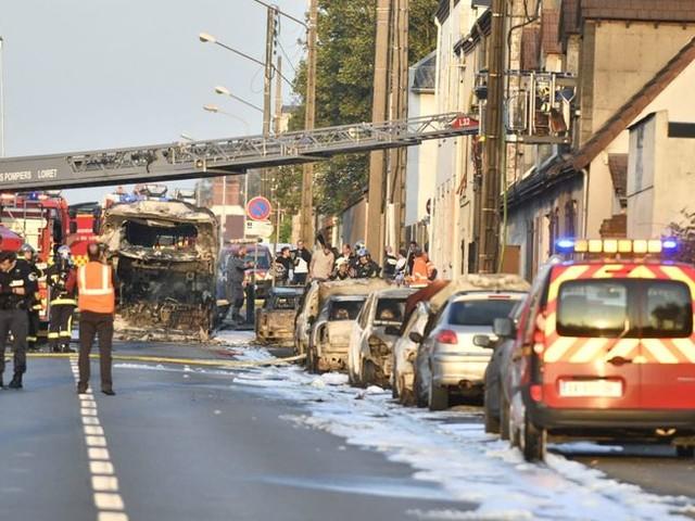 Un deuxième incendie de bus à la Chapelle-Saint-Mesmin, 5 voitures très endommagées