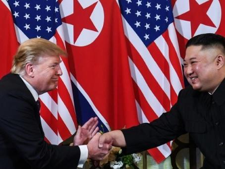 Trump propose à Kim une rencontre à la frontière entre les deux Corées