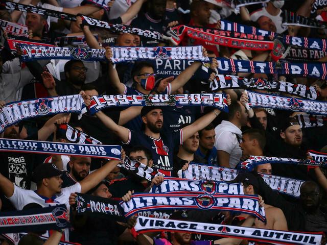 """Ligue 1: au Parc, l'excitation autour de la première de """"Messiiii"""""""