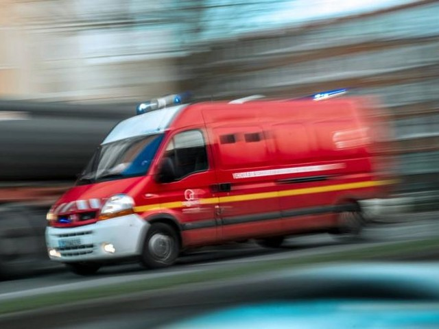 Corrèze: collision entre deux cars scolaires, un mort