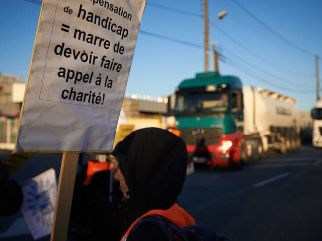 Face aux associations en colère sur le handicap, les mesures prévues par Macron