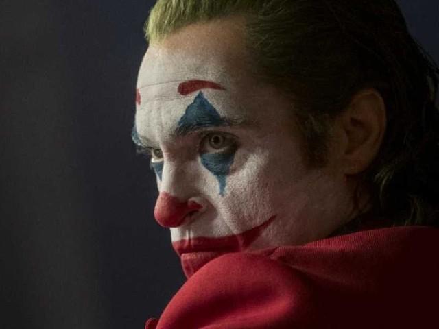 """Que vaut """"Joker"""", film sombre et perturbant avec Joaquin Phoenix"""