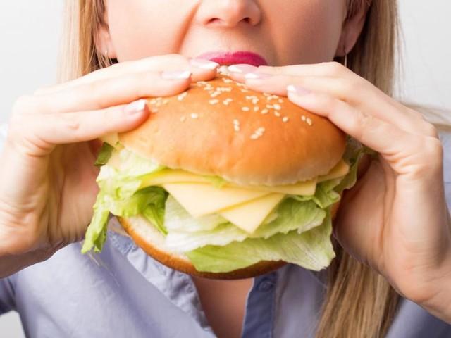 Attention, estomacs sensibles s'abstenir! Chez Burger King, Marion a fait une découverte déplaisante dans son sandwich: «J'ai tout recraché»
