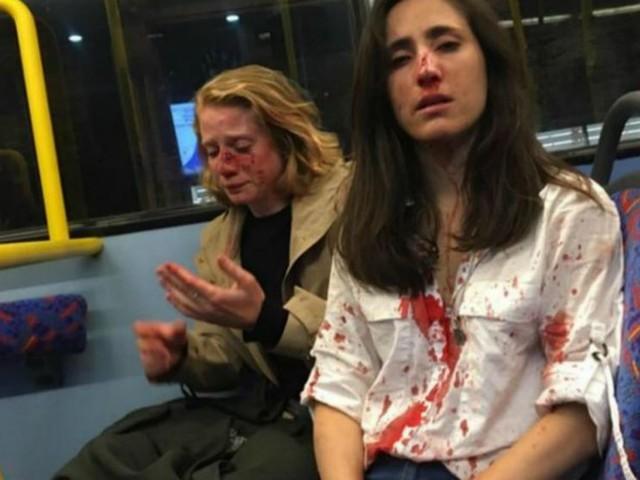Agression d'un couple de femmes dans un bus londonien : les suspects libérés sous caution