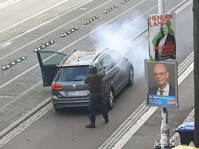 """Attaque meurtrière à Halle : Netanyahou condamne un acte """"antisémite"""""""