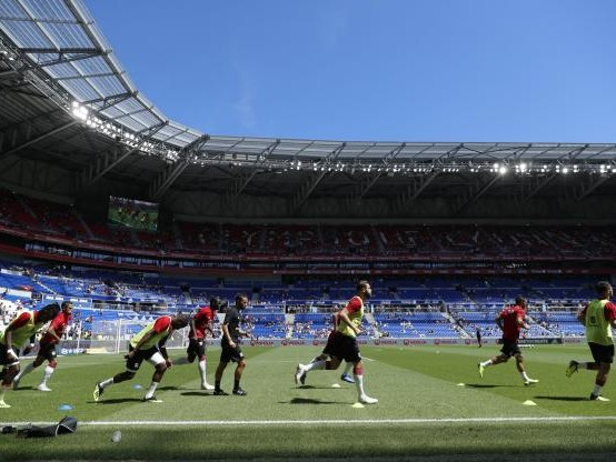 Foot - L1 - L'OL va changer la pelouse du Groupama Stadium