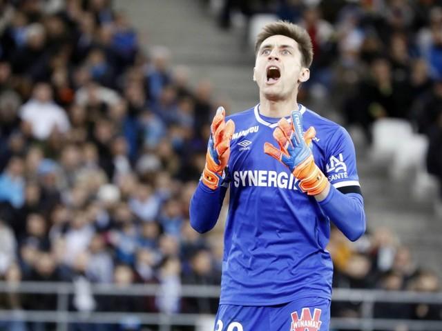 "Mercato OL: Tatarusanu n'est ""pas venu pour être n°2"""