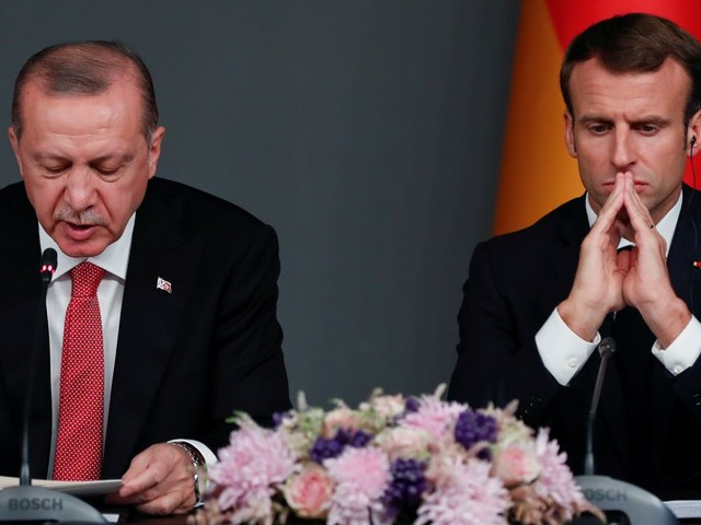 A l'Otan, Macron et Erdogan se rencontrent après des mois d'injures