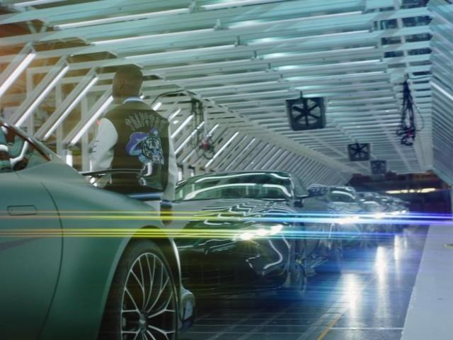 Deux stars de la scène rap britannique s'incrustent chez Aston Martin pour leur nouveau clip