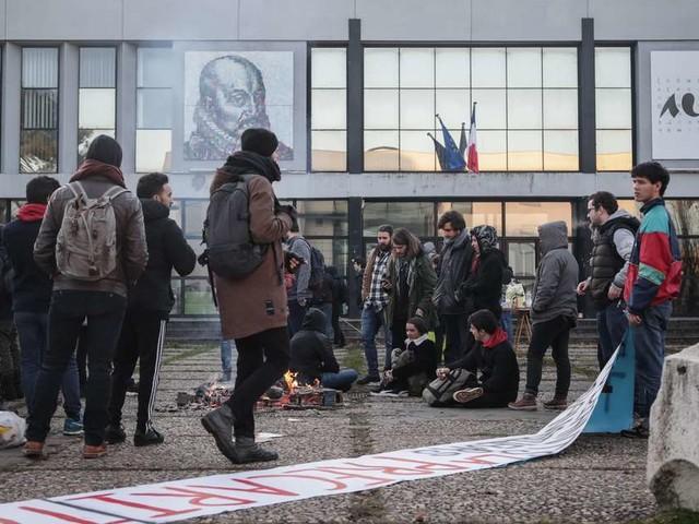 Bordeaux : les étudiants se préparent pour la manifestation de ce mardi