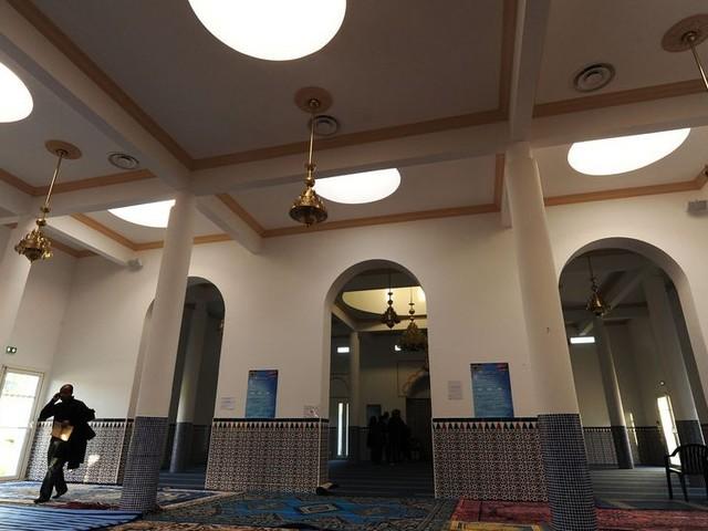 Attaque de la mosquée de Bayonne : qui est le tireur présumé ?