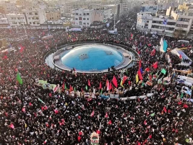 À Téhéran, une foule immense pour l'hommage à Quassem Soleimani