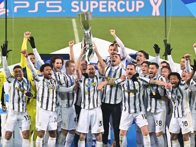 La Juventus gagne la Supercoupe d'Italie et Pirlo déjà un titre