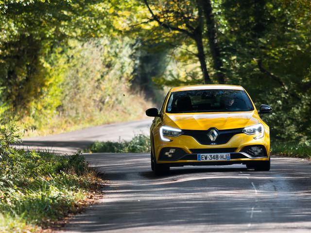Renault dévoile la Mégane R.S Trophy R : la version de trop ? Notre avis !